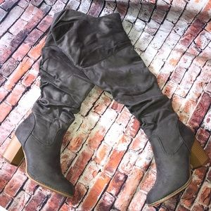 Journee collection boots 9 wide calf grey NEW WOME